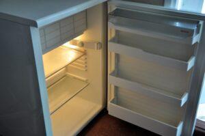 Холодильник на дачу в аренду или прокат